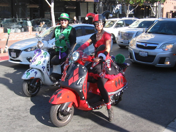Riddler and Harley Quinn on motorcycles cosplay!