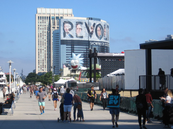 Sunday morning 2019 Comic-Con. Walking behind the San Diego Convention Center.