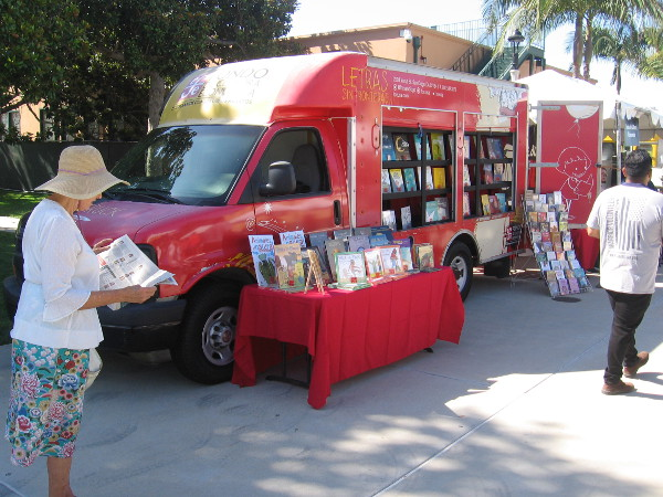 Letras Sin Fronteras had their bookmobile at the festival.