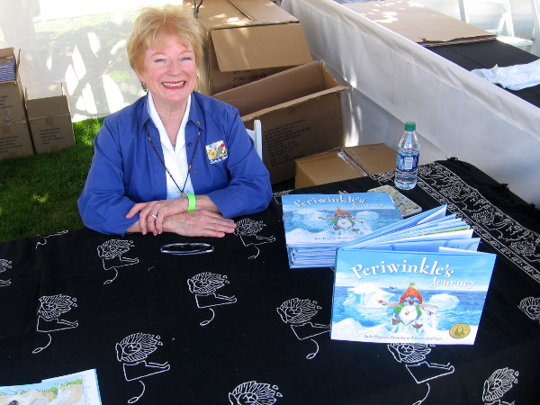 San Diego Zoo Global Press has launched fun children's books about animals! I met author and illustrator of Periwinkle's Journey, Suzy Spafford, of Suzy's Zoo fame.