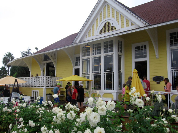 Pannikin is located in an historic 1888 Santa Fe Railroad Station, which was moved to this site on Coast Highway 101 west of the train tracks.