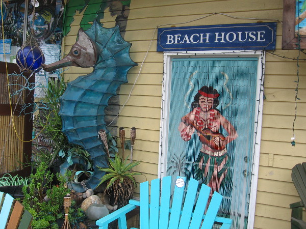 There's a huge seahorse just outside that Beach House.
