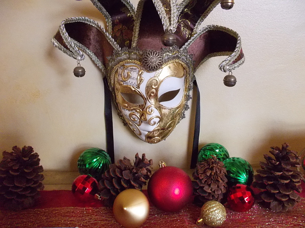 Carnival mask with Christmas ornaments at the House of Italy.