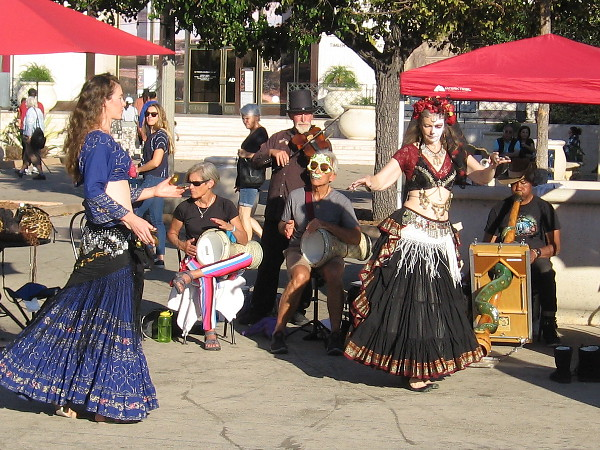 A violin, drums, didgeridoo and belly dancers fill the Plaza de Panama with life.