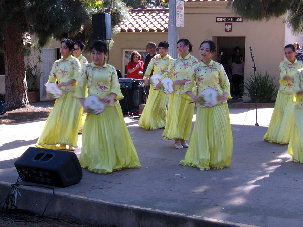 The Chinese Dance Lover Group of the House of China performs!