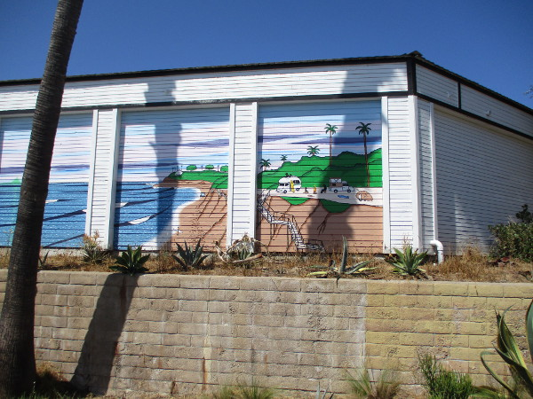I spotted this mural on the rear of a 7-Eleven store near San Elijo Avenue and Orinda Drive.