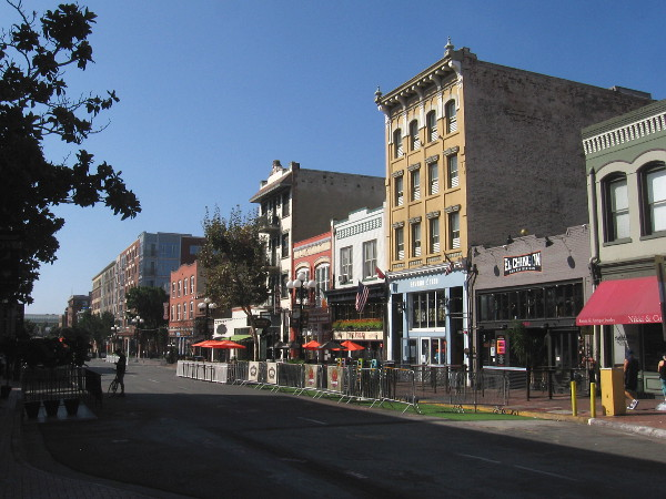 As I passed Fifth Avenue, the hub of San Diego's historic Gaslamp Quarter, I turned my camera south to take a picture.