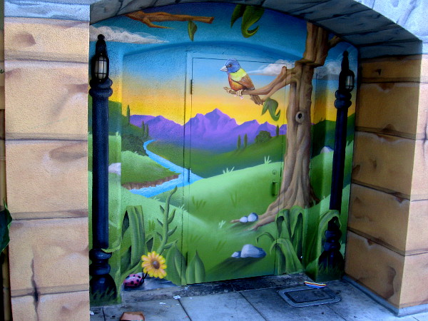 Mural in Oceanside's Artist Alley by Paul Knebels, 2019.